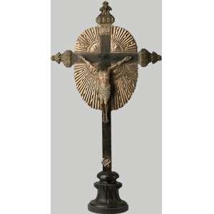 Crucifijo en madera y playa española siglo XVIII. 75 cm de alto.