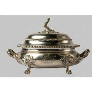 Sopera en plata inglesa Jorge IV año Sopera en plata inglesa Jorge IV año 1821. Medidas: 27 x 41 x 25 cm