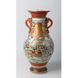 Florero en porcelana japonesa Kutani periodo Meiji, siglo XIX. 47 cm de alto.