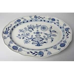 Fuente en porcelana alemana Meissen siglo XIX. Largo 59 ancho 45cm.