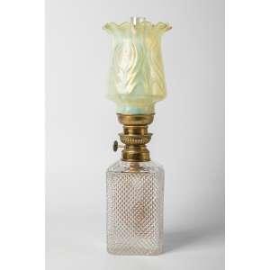 Lampara a kerosene francesa circa 1900. 40 cm de alto.