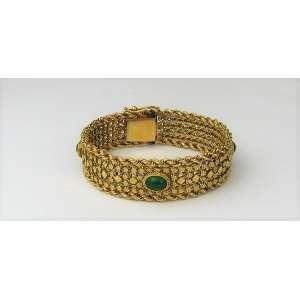 Bela pulseira em ouro contrastado, possivelmente português. Peso 40,5g. Este ítem não se encontra no local do leilão.