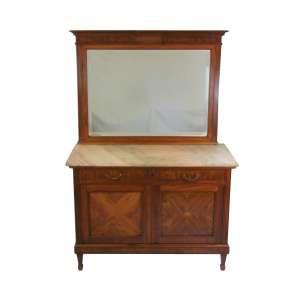 Móvel para toalete em madeira com marqueterie com 2 gavetas sobre duas bandas de porta. Tampo com mármore e alçado de espelho bisotado. Med. 160x109x51 cm.