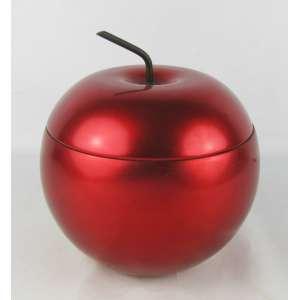 Geleira art-deco de coleção, dos anos 50, na forma de maçã. Exterior em metal vermelho e interior com recipiente em vidro opalinado no tom leitoso. Alt. 22 cm. Diam. externo 21 cm.