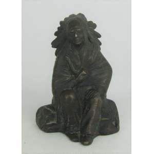 H. Trucci - Escultura em bronze patinado, representando Cacique. Assinada. Alt. 9 cm.