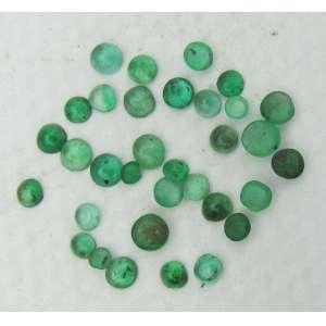30 peças de turmalina verde. Este ítem não se encontra no local do leilão.