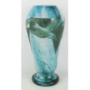 Legras - Belo e grande vaso de coleção em pasta de vidro Francês, assinado e localizado francês, decorado com pássaros em relevo, na tonalidade azul e verde, sendo a parte interna leitosa. Alt. 40,5cm.