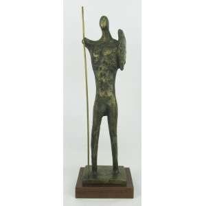 Francisco Stockinger (1919-2009) - Escultura em bronze representando Guerreiro. Assinada ST. Base em madeira. Alt. total 47,5cm.