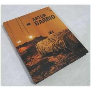 Artur Barrio, Modo Edições, de Ligia Canongia, 2002. Capa dura - 272 páginas, em ótimo estado.