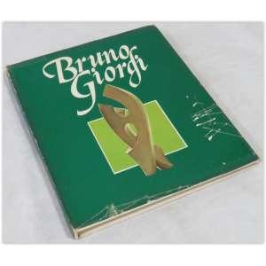 Bruno Giorgi, Marco Antônio Fernandes, Editora Record, 1980 capa dura e sobrecapa - 159 páginas. Em bom estado, amarelado pelo tempo, A sobrecapa encontra-se rasgada nas bordas e riscada.