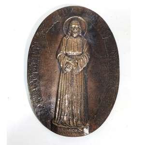 MIGUEL LANGONE.<br />Medalhão em bronze, década de 1930, assinado por escultor italiano Miguel Langone - 14/04/1892<br />Placa em bronze Oval com imagem de BOM JESUS DO LIVRAMENTO - CRISTO COM AS MÃOS ATADAS.<br />Assinado e datado Santos 18/6/32. <br />Medidas: 14 x 21 cm de diâmetro.
