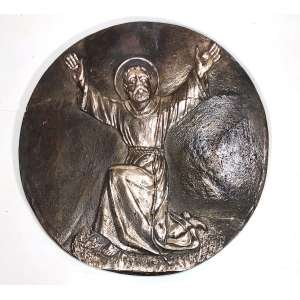 Medalhão em bronze, década de 1930, de feitura do escultor italiano Miguel Langone - 14/04/1892<br />Placa em bronze circular com imagem de SAO PADRE PIO DE PIETRILCINA, maos chagadas e habito franciscano<br /> Medidas: 25 cm de diâmetro.