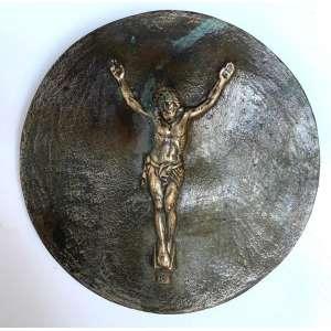 MIGUEL LANGONE.- Medalhão em bronze, década de 1930, assinado pelo escultor italiano Miguel Langone - 14/04/1892<br />Placa em bronze circular com imagem sacra de CRISTO CRUCIFICADO. Medidas: 14 cm de diâmetro.