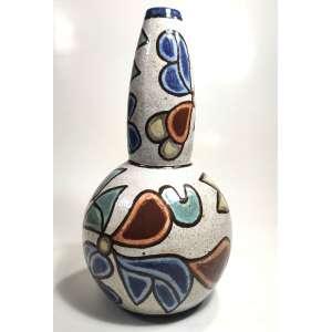 F.B.- Brennand<br />MORINGA<br />Cerâmica vitrificada, pintada a mão.<br />Peso:2.050 g<br />Med:32X17X17 cm