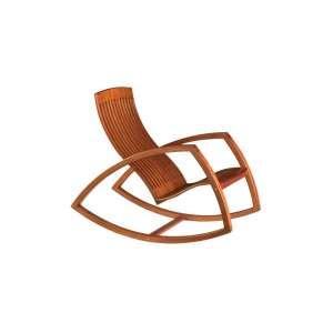 """CADEIRA GAIVOTA- RENO BONZON - 94x56x107 cm. <br />PI0945-MCB- III Prêmio de Design-Museu da Casa Brasileira-1988, melhor peça do mobiliário nacional na I Bienal Brasileira de Design, em Curitiba 1990. A partir de 2005, a peça começou a ser editada sob encomenda na Dpot-SP. O francês RENO BONZON é formado em psicologia pela Universidade de Paris e em marcenaria pela prestigiada ECOLLE BOULLE, também na capital francesa.<br />Lâminas maciças de 4 mm de mogno ou ipê, coladas a frio com resina epóxi, técnica que foi uma inovação na produção moveleira em nosso país.<br /><br />BIOGRAFIA: francês de origem, é formado em marcenaria na prestigiosa Ecole Boulle (Paris). Ele é graduado em Psicologia da Universidade de Paris V. Reno Bonzon se instala no Brasil em 1986, no litoral sul de São Paulo. Ele monta sua propria marcenaria, para desenvolver móveis e objetos de madeira, de ferro e de alumínio. Ele participa de vários concursos nacionais e internacionais. Suas criações recebem o reconhecimento de Profissionais e do público, avaliadas com numerosos prêmios.<br />A peça emblemática do trabalho do Reno Bonzon é com certeza a cadeira de balanço """"Gaivota"""". Provavelmente a peça mais premiada no Brasil, a Gaivota combina estetismo, conforto e ergonomia.<br />Duplamente premiado em 1988 -pelo Museu da Casa Brasileira e pela MOVESP-, Reno foi escolhido em 1990 para representar a criação brasileira na Bienal de Design do Brasil em Curitiba. A respeito da Gaivota, o Júri do Prêmio do Museu da Casa Brasileira destacou o """"princípio da fabricação que dá ao produto a sua grande leveza"""". Também, foram destacadas as """"qualidades estéticas combinadas ao factor ergonómico"""".<br />O desenho mesmo da Gaivota, as suas curvas sinuosas, evoca o movimento de balanço. Quanto à luminária Nuala, ela define as características do trabalho do Reno: elegância e simplicidade ao serviço da função do objeto.<br />A Nuala foi a primeira peça produzida na Europa graças à editora Objekto.<br />Em 1993, Reno Bo"""