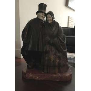 A. BECQUEREL (1893-1981)<br />Golden Wedding<br />Escultura em bronze e marfim . Base em mármore.<br />34 x 27 x 15 cm. (13.4 x 10.6 x 5.9 in.)<br /><br />André Vincent Becquerel (1893-1981) é um escultor francês. <br />Estudou na École des Beaux-Arts de Paris, sob a orientação de Hector Lemaire e Prosper Lecourtier. <br />Expôs no Salão da Sociedade dos Artistas Franceses de 1914 a 1922.<br />Becquerel fez muitas esculturas decorativas, por ocasião da Exposição Universal de 1937 em Paris e, expôs uma escultura monumental em gesso patinado para o Pavilhão Internacional.<br />* Reproduzida no Art Deco- Bryan Catley, página 41. Fotos em anexo.