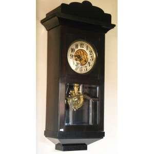 Relógio de parede Alemão. Pêndulo Art Noveau com efígie feminina em metal dourado trabalhado em baixo relevo, bem como no miolo do mostrador..Vidros bisotados originais. Marca de patente: D.R.P. 154523 ( Deutsches Reichs Patent)<br />http://mb.nawcc.org/showthread.php?55467-Identify-my-grandfathers-clock-D-R-P-mark