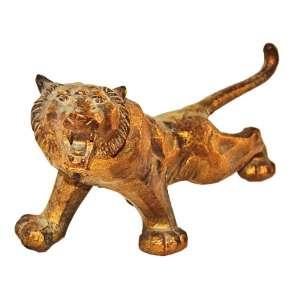 Escultura Art-Déco em bronze patinado de dourado de tigre. Europa, anos 1930.<br />16x10x32 cm.
