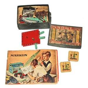 MARKLIN - MUNICH- GERMANY- 1953. Kit (3) caixas e manual, para montagem de guindaste. <br /><br />FONTE: https://worboys.id.au/catalogs/cat1940Rear.htm
