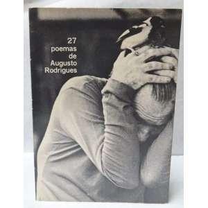 RODRIGUES, AUGUSTO - 27 POEMAS DE AUGUSTO RODRIGUES. Recife, 1971. <br />Exemplar altamente valorizado pela dedicatória autografada do autor, a lápis, acompanhada de 30 desenhos originais, a lápis de cera, ilustrando todas as folhas texto dos poemas. 32 folhas soltas, sem numeração, acondicionados em capa própria revestida a tecido e protegida com sobrecapa de papel com fotografia de Cafi. A sobrecapa possui também desenho original a nanquim ocupando toda a área do verso. Desenhos originais ede grande qualidade, com o traço inconfundível do poeta e pintor pernambucano. Em impecável estado de conservação. Medidas: 30,5 x 22 cm. Exemplar único com desenhos e autografo originais do artista. Condicionado em caixa.