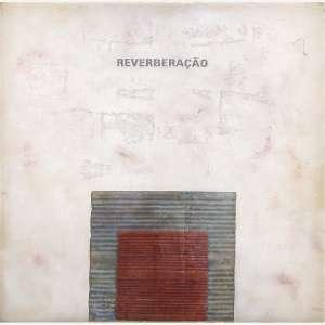 Luiz Ernesto - Reverberação. Fibra de vidro e resina de poliéster. Assinada e datada 2004. 106 x 106 x 8 cm.