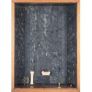 JEANETE MUSATTI - Sem titulo Colagem em caixa de madeira. Ass.dat. 1985 em placa no verso. 40 x 30 x 15 cm.