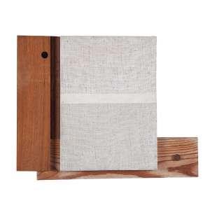 """UBIRAJARA RIBEIRO - """"Furo"""" Objeto composto de tela pintada e madeira. Ass.tit. e dat.2001 no verso. 22,5 x 28,5 cm. Com etiqueta do acervo no verso sob nº 2790301."""