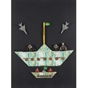 """NELSON LEIRNER - """"Barcos"""" Papel, plástico, metal e adesivo sobre madeira. Ass. dat. 2000 em etiqueta no verso. 72 x 57 x 9 cm. Ex. Coleção Brito Cimino. Reproduzido na pág. 62 do livro """"Nelson Leirner 1994+10 do Desenho á Instalação"""" – Instituto Tomie Ohtake. Com etiqueta da Silvia Cintra Galeria de Arte."""