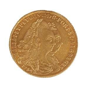 Moeda de ouro brasileira no anverso bustos de D. Maria I e D. Pedro III datada de 1782 com inscrições Maria I ET. PETRUS III D.G PORT.ALG. REGIS pesando 14,34g e 31,5 mm de diâmetro excelente estado.