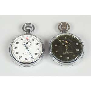 2 Cronômetros OMEGA em aço de bolso bom estado, precisa de revisão.
