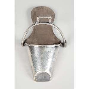SAPATA para montaria feminina em prata de lei sem marcas peso 415g – Brasil – Séc. XIX.