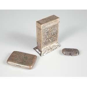 3 Caixas sendo 1 de prata baixa e as outras duas em metal.