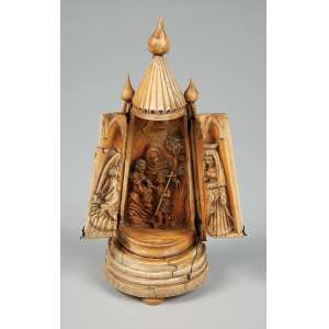 Oratório de viagem quando abre vira um triplico com cenas religiosas em marfim medindo 21 cm. de altura -Europa – Séc. XVI – peça de coleção.