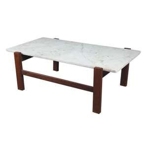 Mesa em madeira e mármore medindo 40 x 100 x 45 cm.