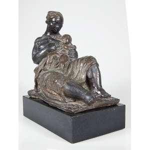 """JULIO GUERRA - """"Mãe preta"""" - Escultura em bronze - Assinada - 1955. - 26 x 24 x 15 cm - Essa escultura em tamanho natural encontra-se no Largo do Paissandú."""