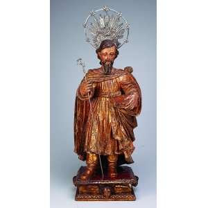 São José de Botas<br />Magnífica imagem de madeira dourada sobre base quadrada com rostos de anjos em cada uma das faces. <br />61 cm de altura. Portugal, séc. XVII.