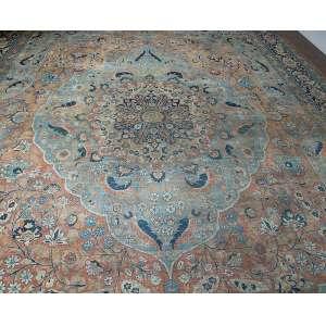 Tapete Tabriz, 650 x 430 cm (27,95 m2).