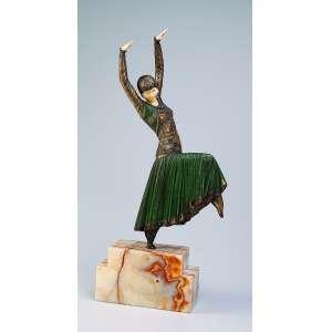 CHIPARUS, Demetre <br />Vested Dancer. Escultura de bronze e marfim sobre base de ônix. 55 cm de altura. Assinada na base. <br />França, c. 1935. Reproduzida em Master of Art deco, de Alberto Shayo, pág. 111.