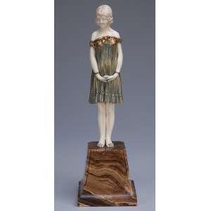 CHIPARUS, Demetre<br />Innocense. Escultura de bronze e marfim sobre base de mármore. Assinada na base.25 cm de altura. <br />França, c. 1935. Reproduzida em Master of Art Deco, de Alberto Shayo, na pág. 83.