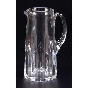 Jarra para água de cristal translúcido de Baccarat, fabricação exclusiva para Hermés – Paris.<br />Marca da cristaleria. 23 cm de altura. França, séc. XX.