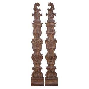 Par de talhas de madeira com vestígios de pátina e douração. Entalhes de inspiração barroca. <br />176 cm de altura. Brasil, séc. XIX.
