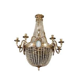 Fino lustre para quatro lâmpadas e oito velas, com estrutura de bronze dourado e cinzelado, ornamentado por cordões de cristal perolado e placas de porcelana Wedgwood. 73 cm de diâmetro x 83 cm de altura. Europa, séc. XIX.