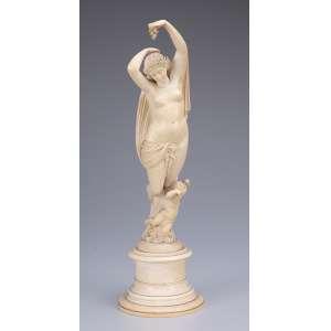 Ninfa com cupido. Escultura de marfim de excelente lavra, sobre base também de marfim. <br />29 cm de altura. Alemanha, séc. XIX.