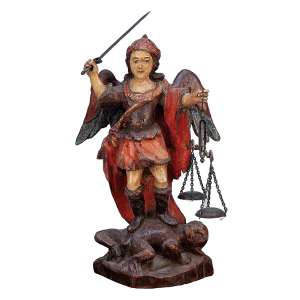 São Miguel Arcanjo <br />Delicada imagem de madeira policromada, com seus tradicionais adereços da balança e espada. <br />19 cm de altura. Brasil, séc. XVIII.