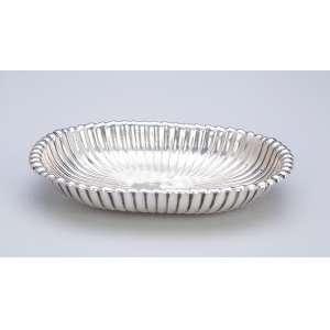 Saboneteira de prata canelada. 13,5 x 10 cm. Marca da prataria <br />Tiffany & CO Sterling Silver. Séc. XX.