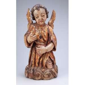 Anjo, imagem de madeira policromada e dourada. <br />43 cm de altura. Portugal, séc. XVIII.