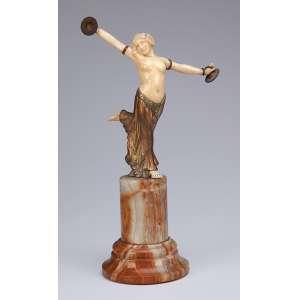 L. Barthelemy<br />Dancer. Escultura de bronze e marfim sobre base de ônix. 28 cm de altura. <br />Assinada no bronze. França, c. 1930.