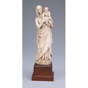 Madona, escultura de marfim sobre base de madeira. <br />21 cm de altura. Alemanha, séc. XIX.