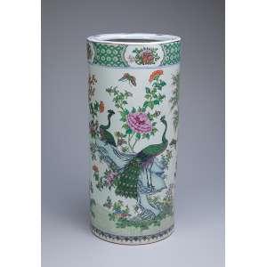 Bengaleiro de porcelana policromada. 22 cm de diâmetro x 48 cm de altura. China, séc. XIX.