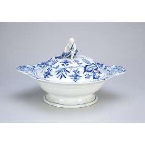 Sopeira de porcelana de Meissen, azul e branca, decoração conhecida como cebolinha. <br />33 x 27,5 x 20 cm de altura. Alemanha, séc. XX.